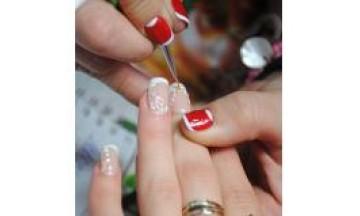В ногтевую студию nail art profi требуется мастер по маникюру, педикюру и наращиванию ногтей!
