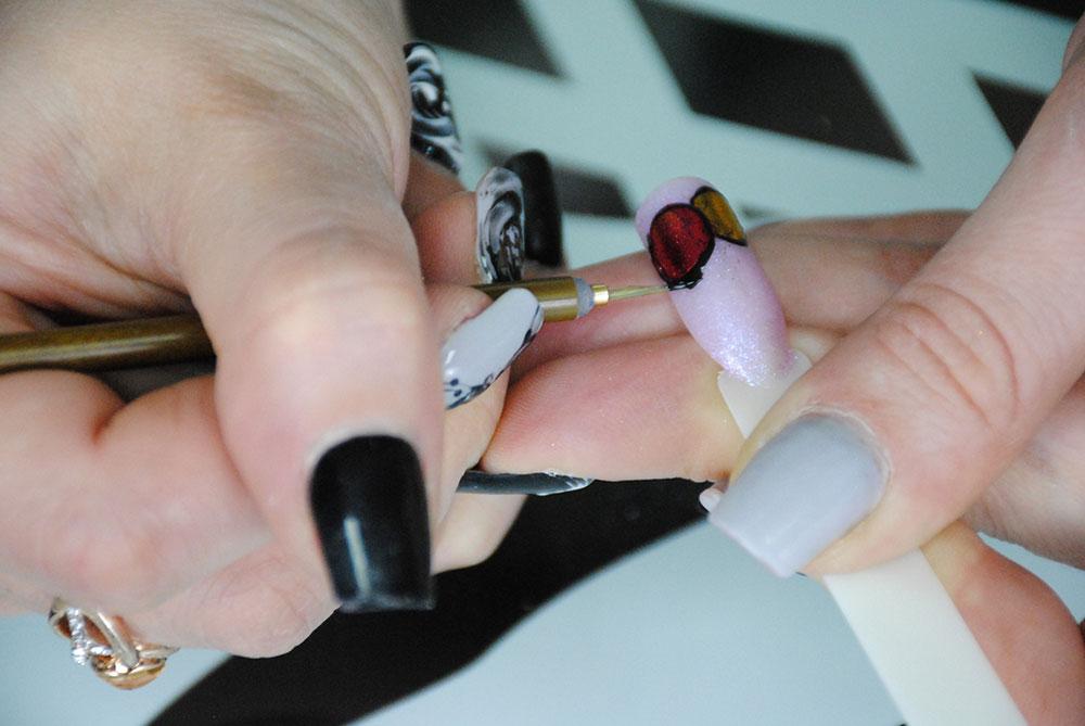 Новогодний дизайн ногтей фото шары